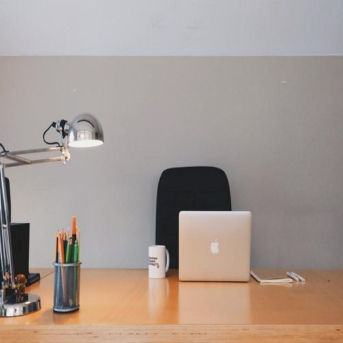 Keep-Your-Office-Neat-and-Organized-featured